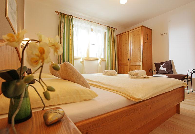 Appartements an der Gondelbahn – Schlafzimmer im Landhaus Maria-Elisabeth